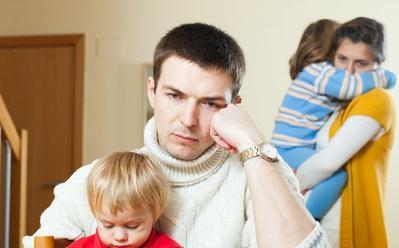 5 Penyesalan Paling Sering Dirasakan Orangtua Saat Mengurus dan Mendidik Anak