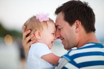 Ayah Bantu Jaga Si Kecil