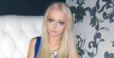 Valeria Lukyanova, si human barbie ini mengaku jika dia hidup dengan melakukan breatharian diet.